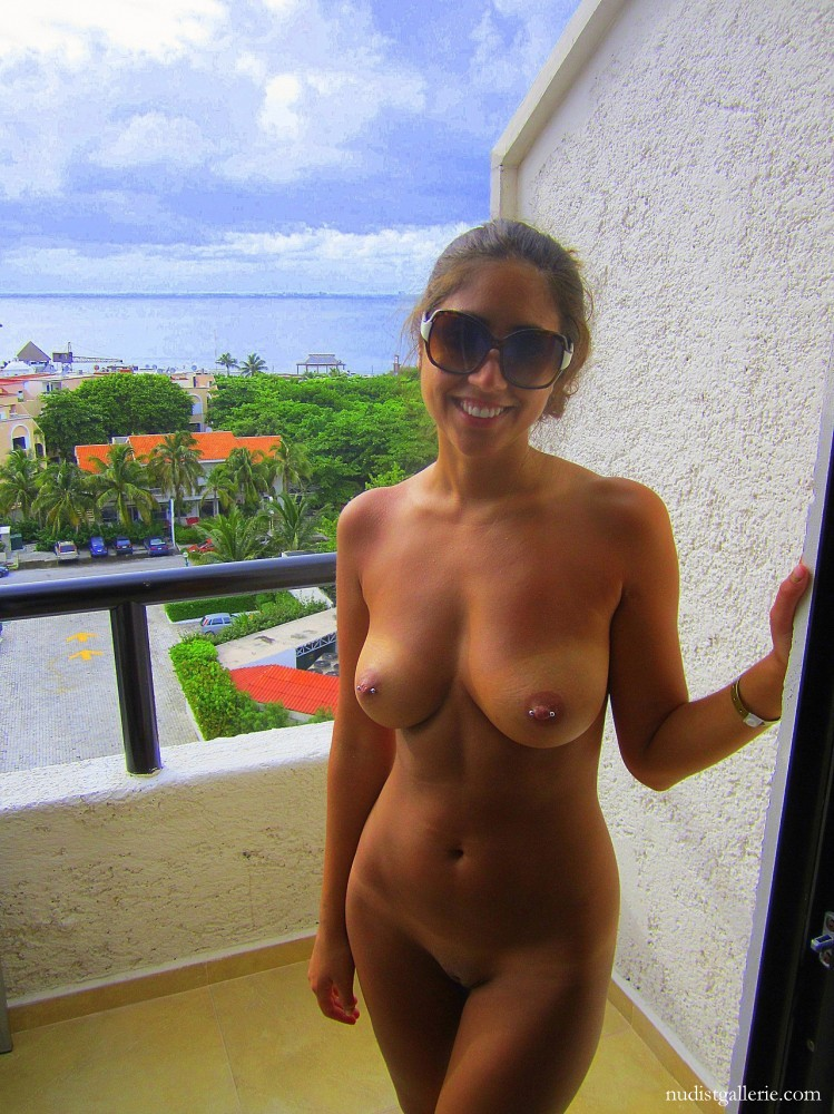 nudist and naturist photo gallery