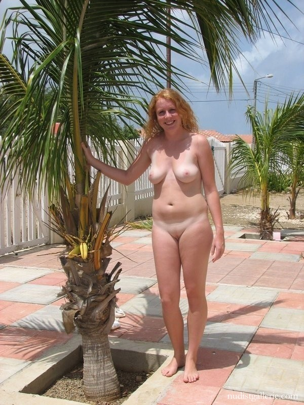 A in bar wife nude
