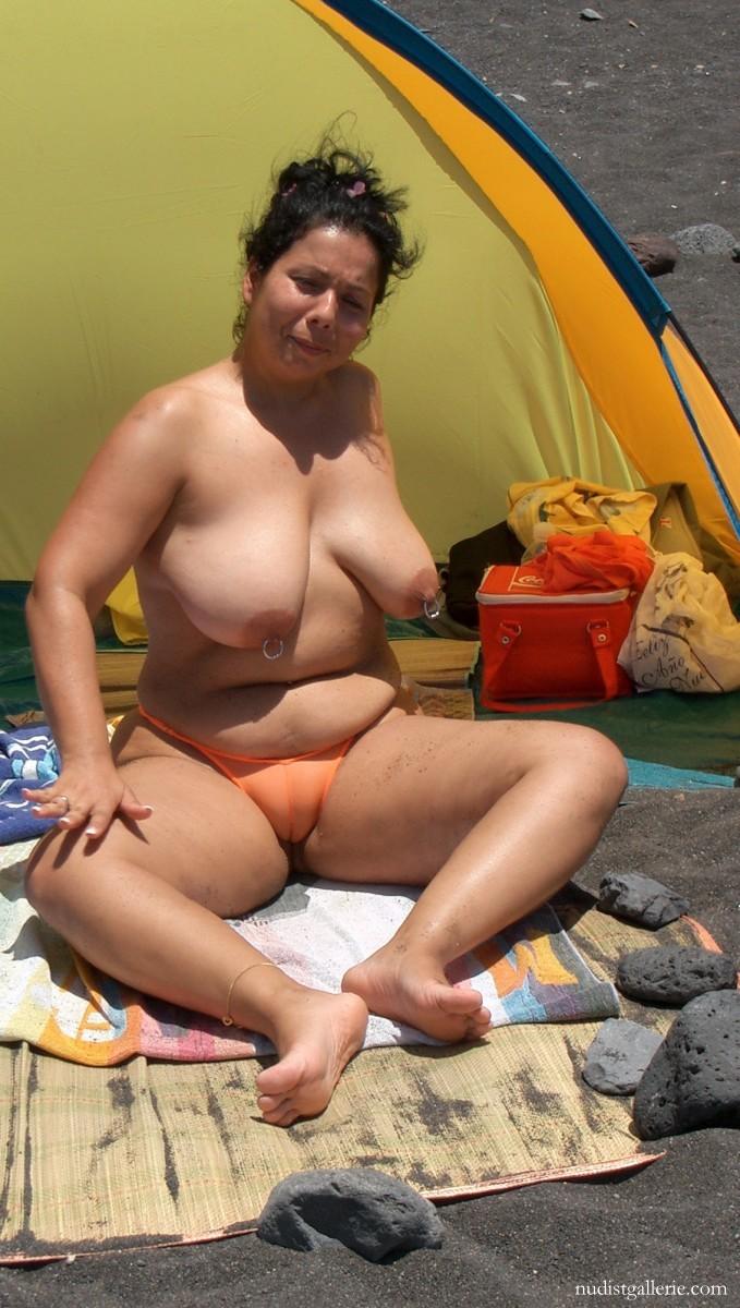 chubby nudist