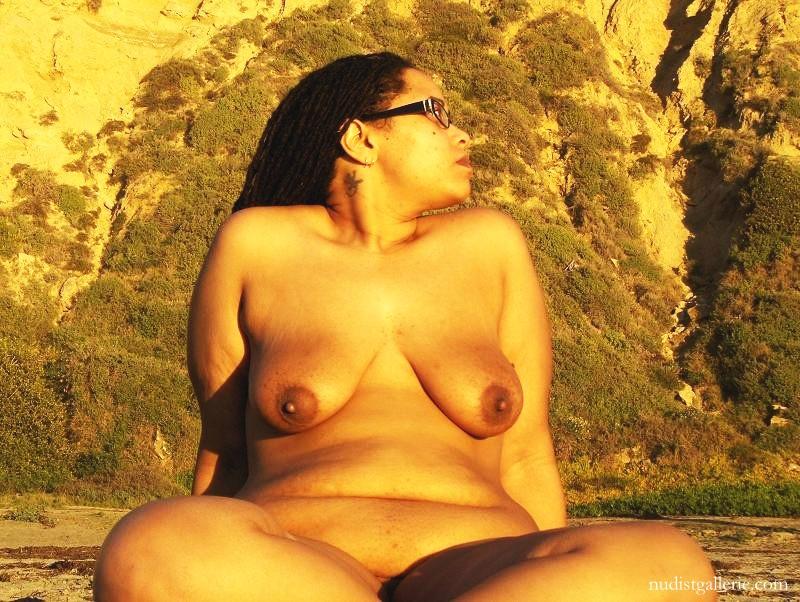 ebony naturist girls   big busty ebony nudist sister   nudism photo