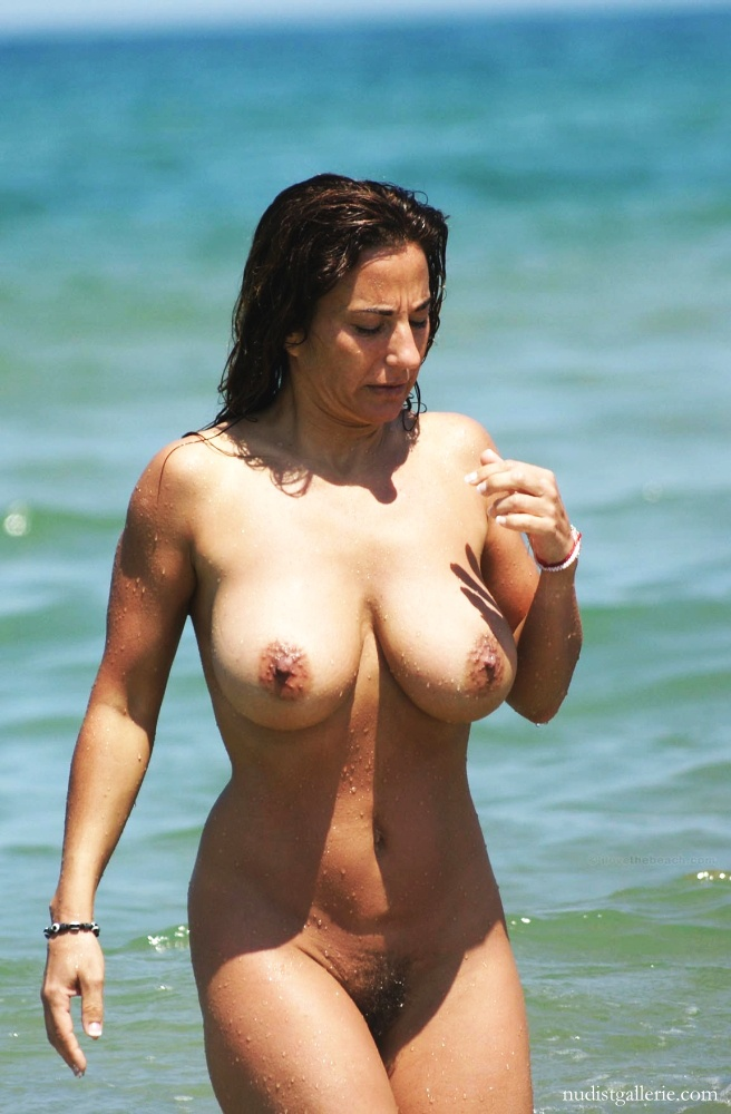 Wife nude at the beach