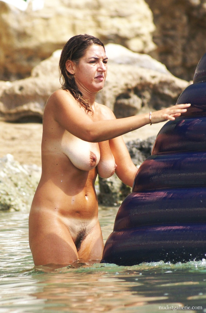nude beach amateur women