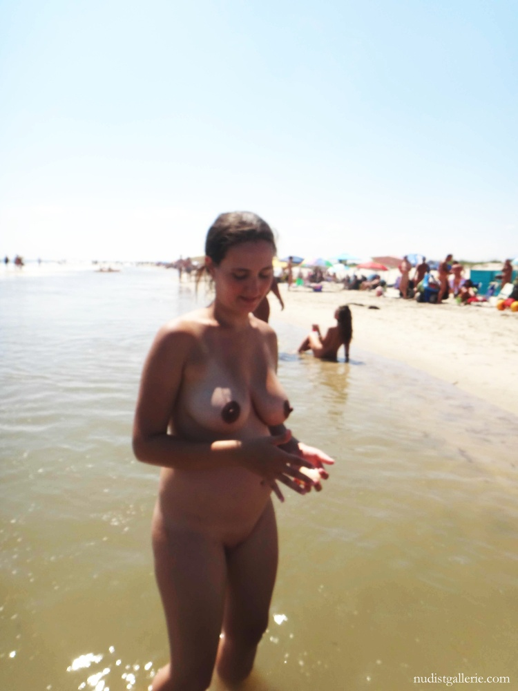 Hot nude women on beach