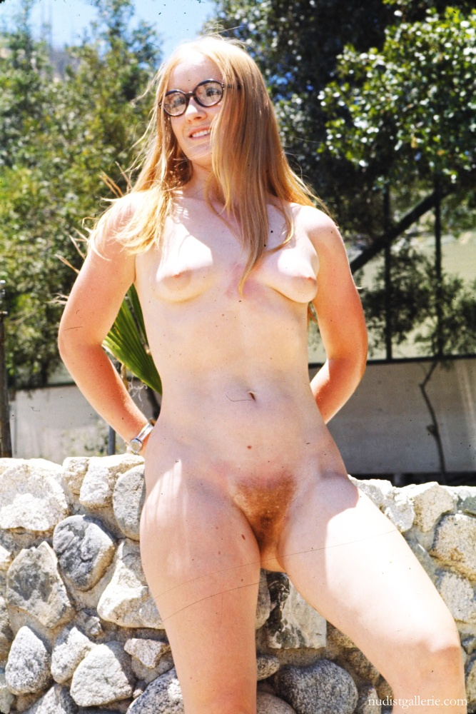 color pictures   nudist retro women   nudism photo and video gallery