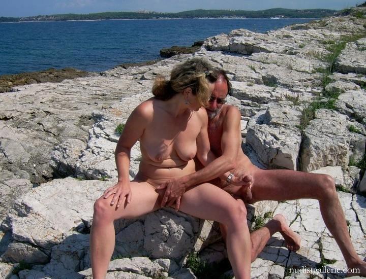 Huge boobs porn videos