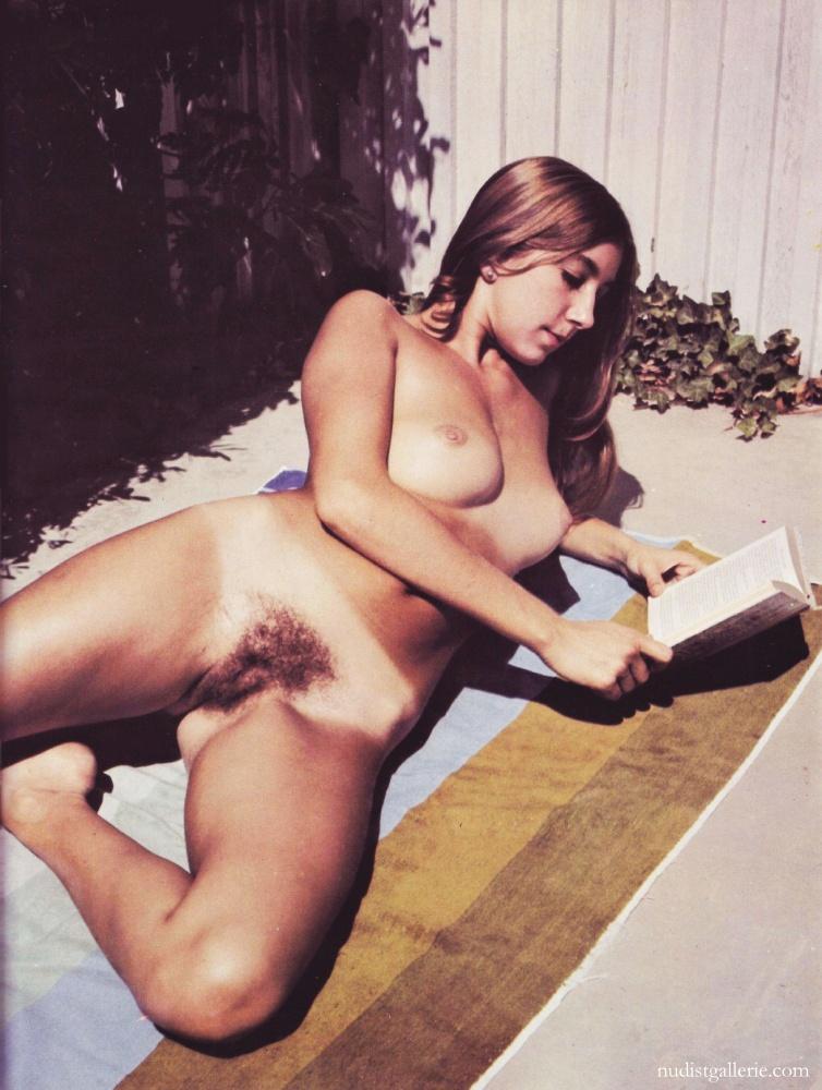 retro naked women