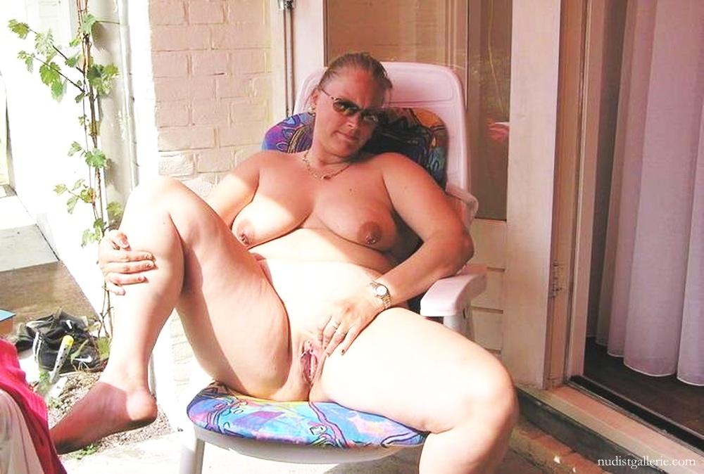 Mature pierced nude wmen