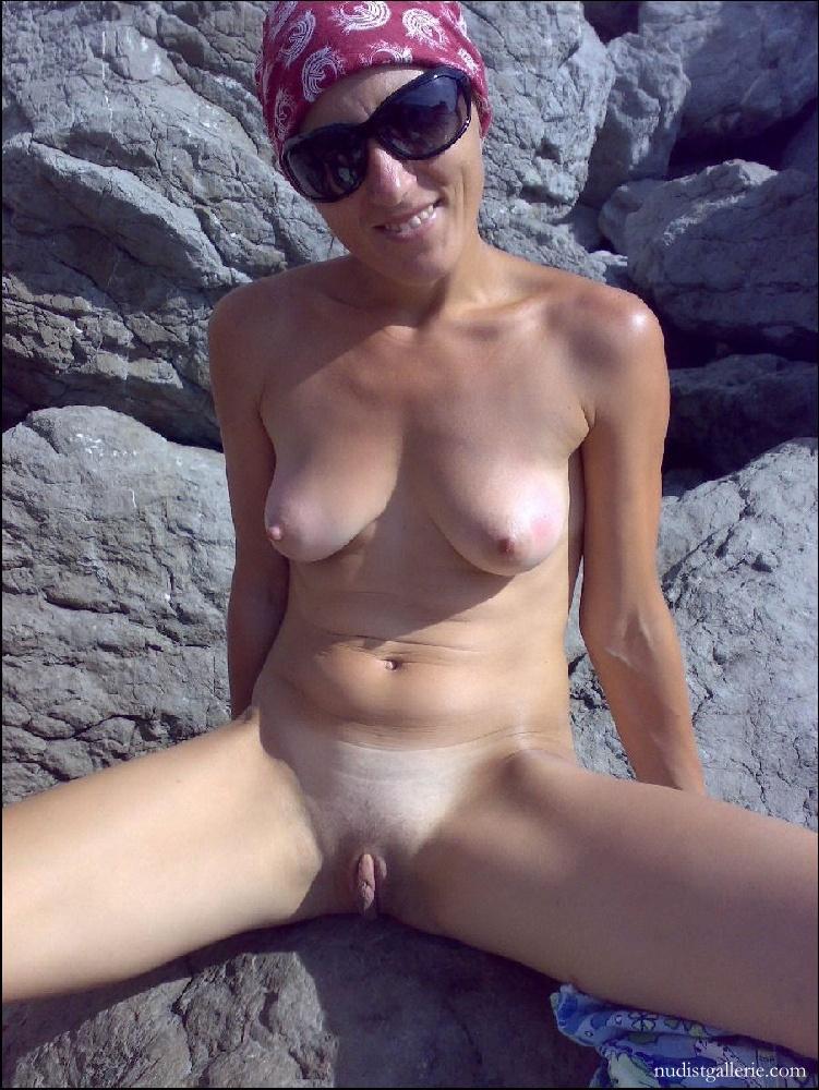 фото галереи голых женщин