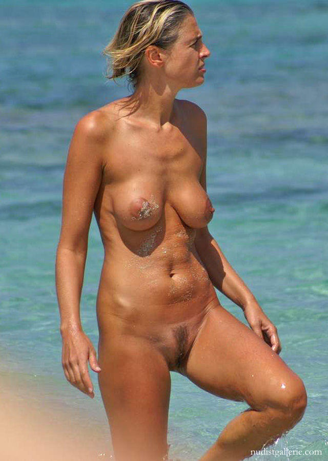 nude nudist women   nudist pictures photos and videos
