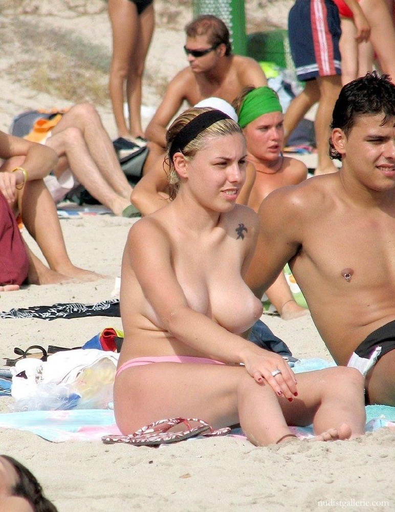 Picturea of topless women on beach very pity
