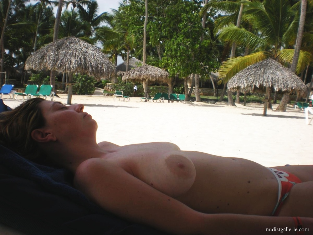 Nudist Forum  Naturist holiday