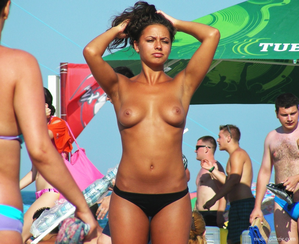 Excellent Picturea of topless women on beach